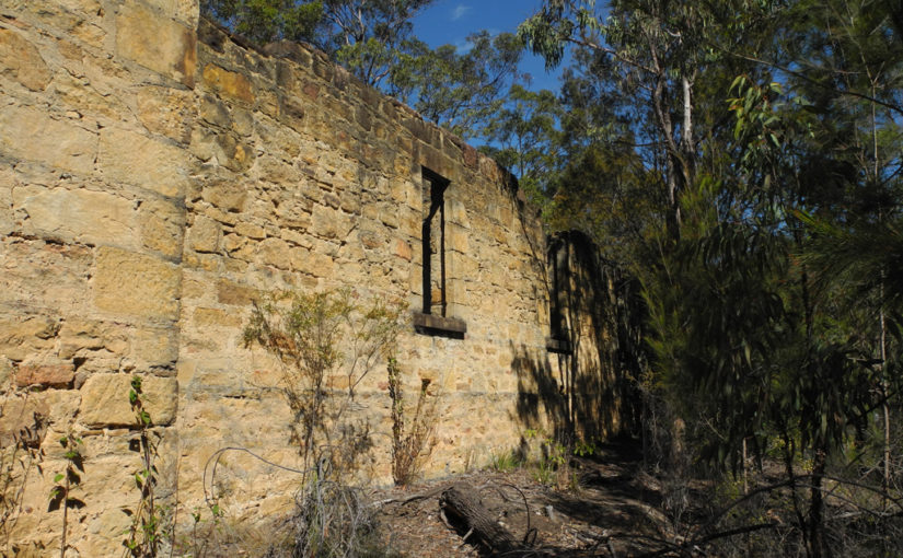 The abandoned Hotel in the middle of the Australian bush
